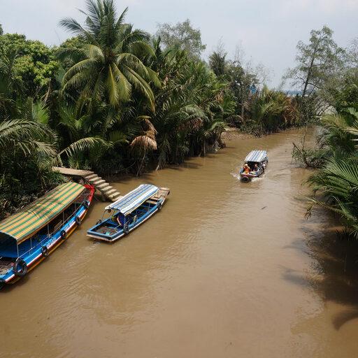 ХоШиМин — город муравейник, город пекло, город скутеров. + Экскурсия в дельту реки Меконг — я в восторге…