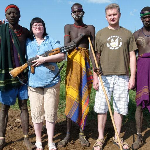 Эфиопия. Бледнолицые в гостях у племени Мурси.