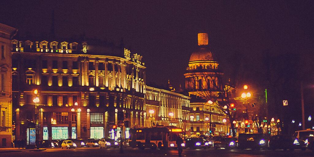 С Днем рождения, Петербург!