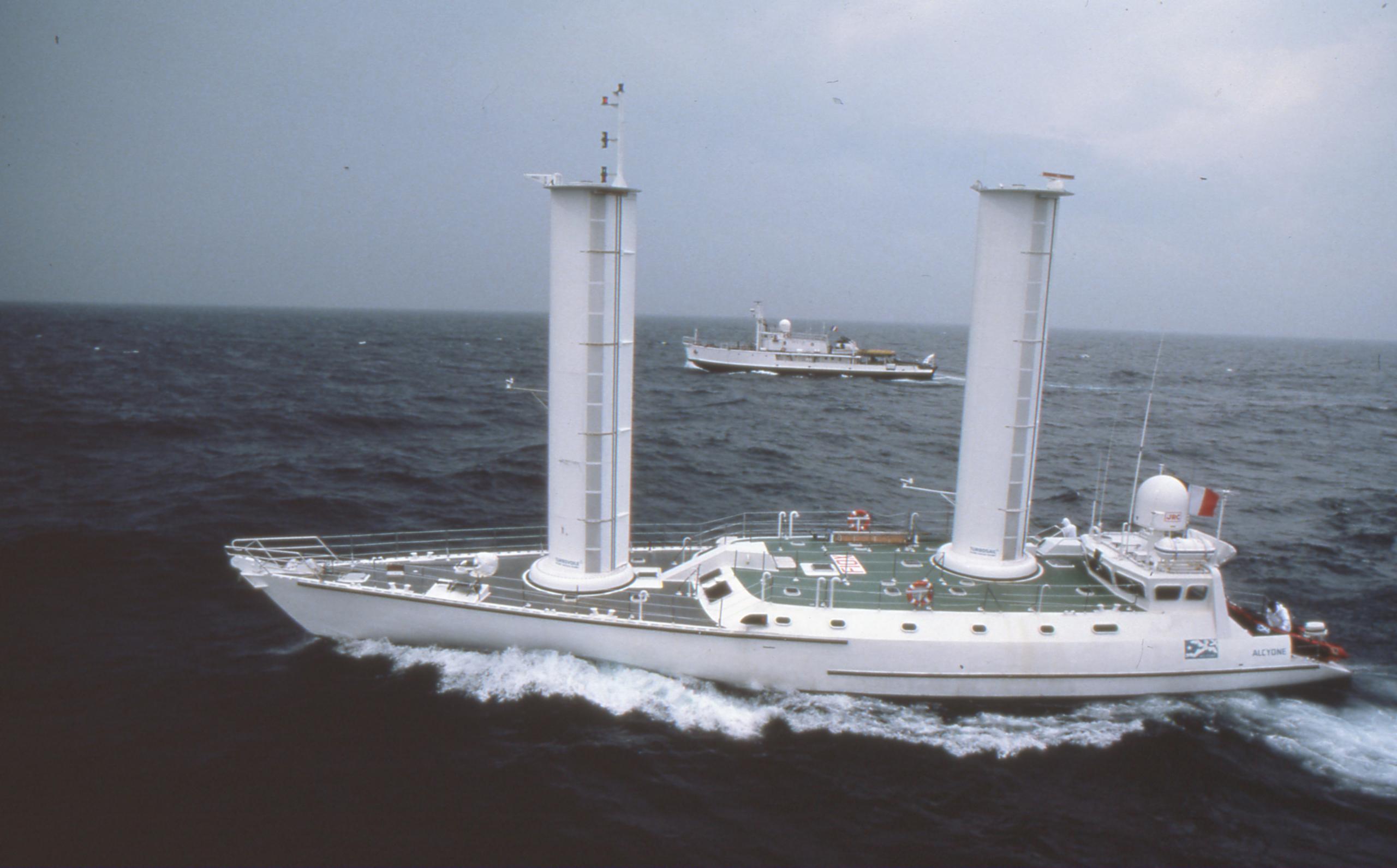 На всех парусах в компании с Калипсо. Алкилона в Бермудском треугольнике