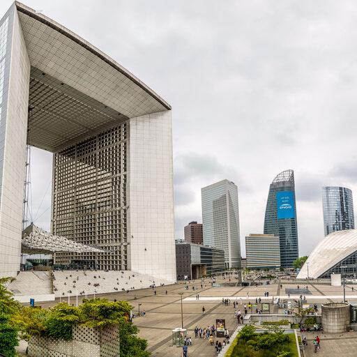 Про парижские небоскребы — район Дефанс