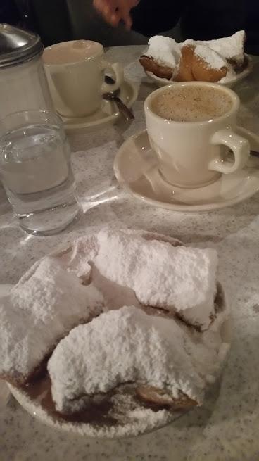 Вы когда-нибудь видели столько сахарной пудры?