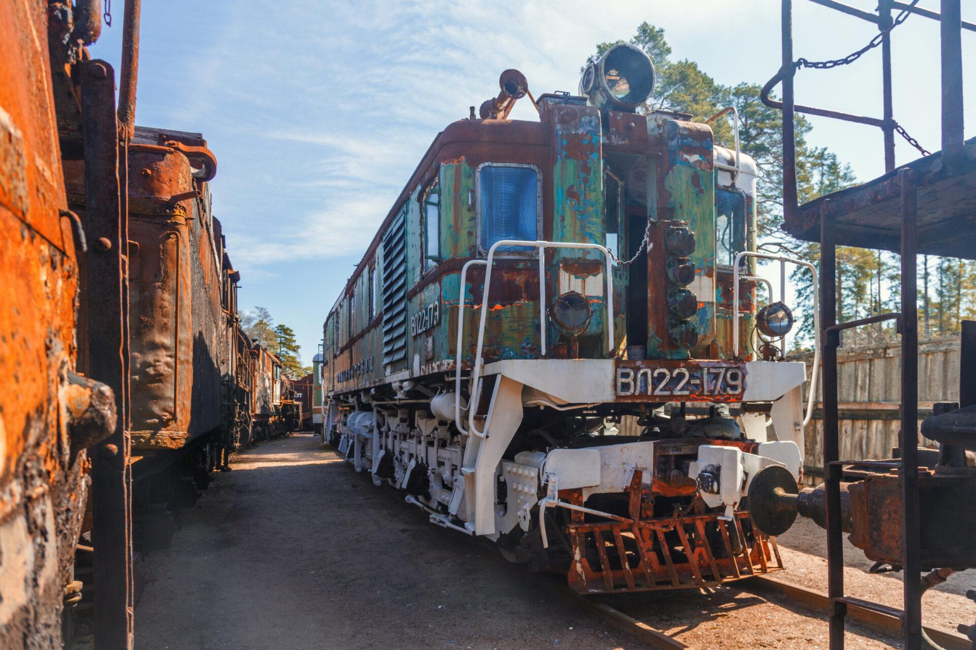 Гниющие локомотивы вЛебяжье. Отзыв оплощадке