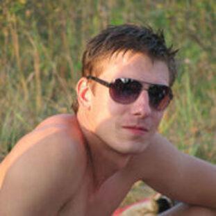 Антон Ельчин