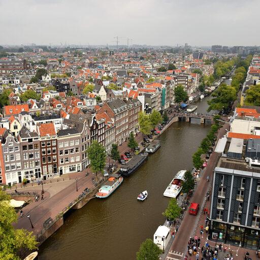 Амстердам с колокольни Старой церкви (Oude Kerk)
