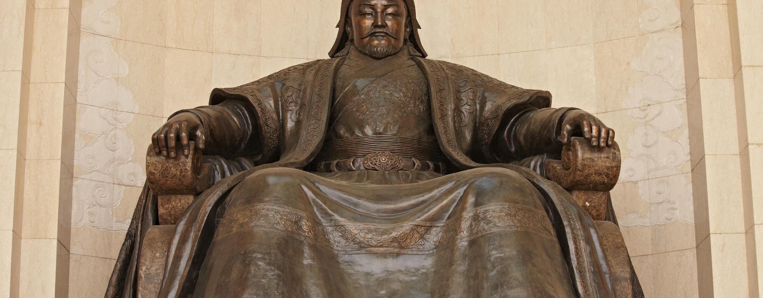 Монголия. Улан-Батор или Красный богатырь.