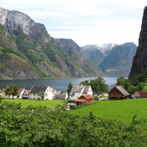 Норвегия. Неройфьорд, Флом, водопад Кьесфоссен