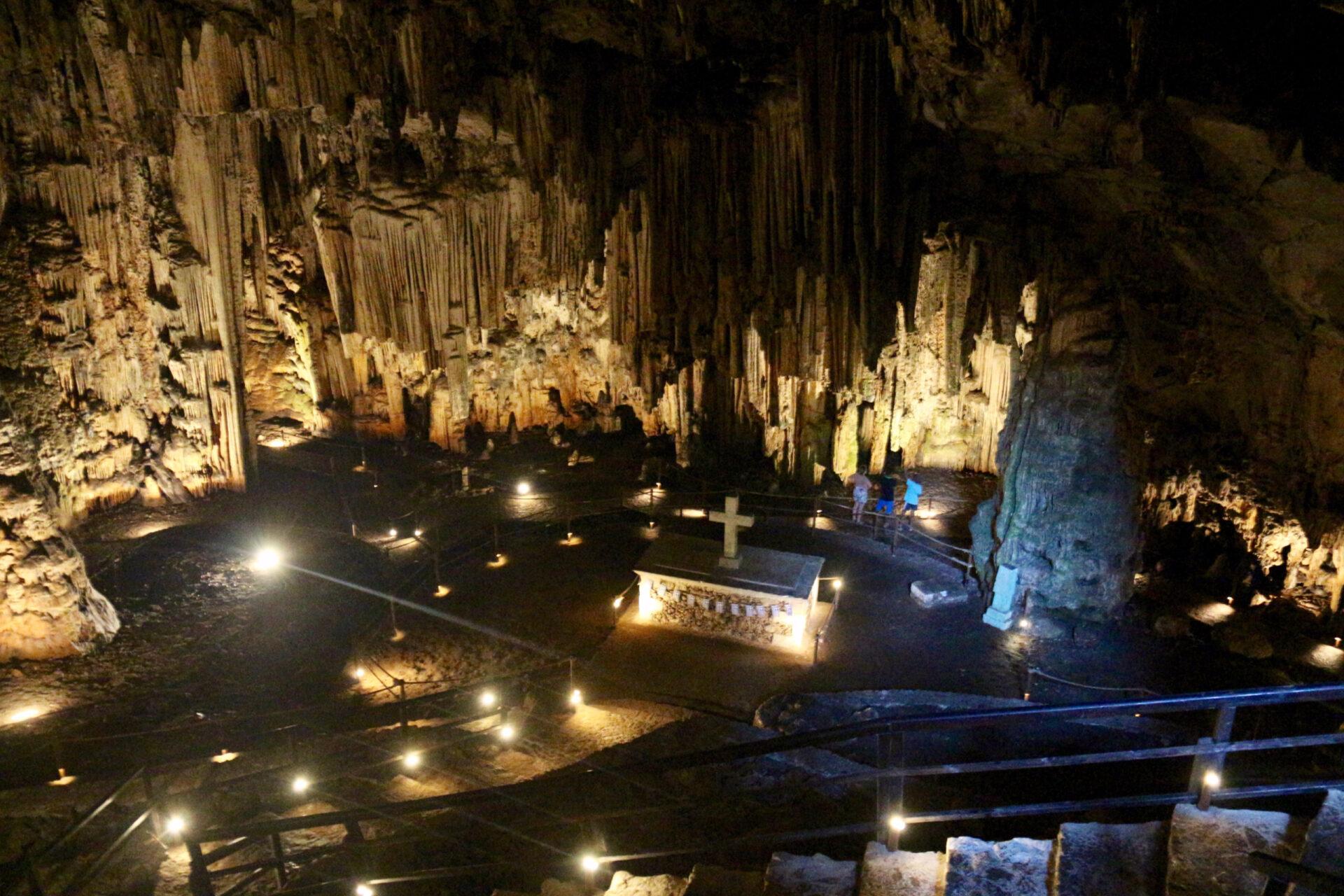 Пещера Мелидони.