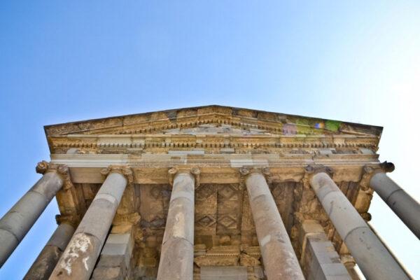 Храм Гарни ипереезд изЕревана вБоржоми