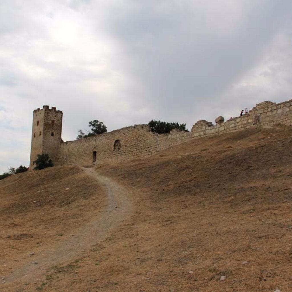 Генуэзская крепость в Феодосии. Вспоминаем прогулки по Крыму