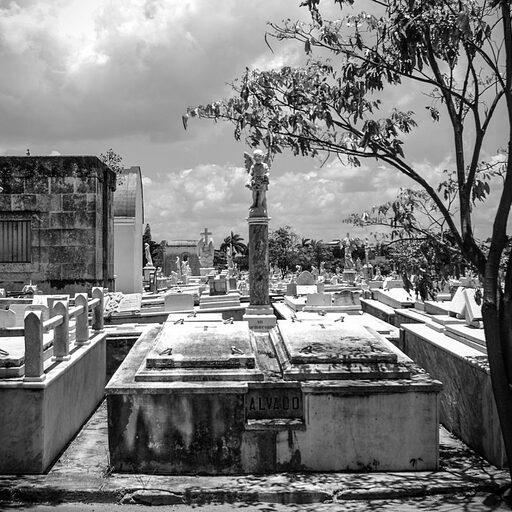 Гавана в черно-белых тонах. Кладбище Колон