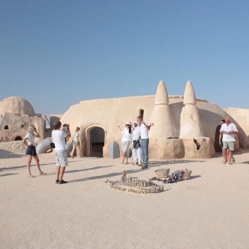 Звездные войны в пустыне, разрушенный Колизей, трасса Париж-Дакар и город Влюбленных в стране Заходящего солнца