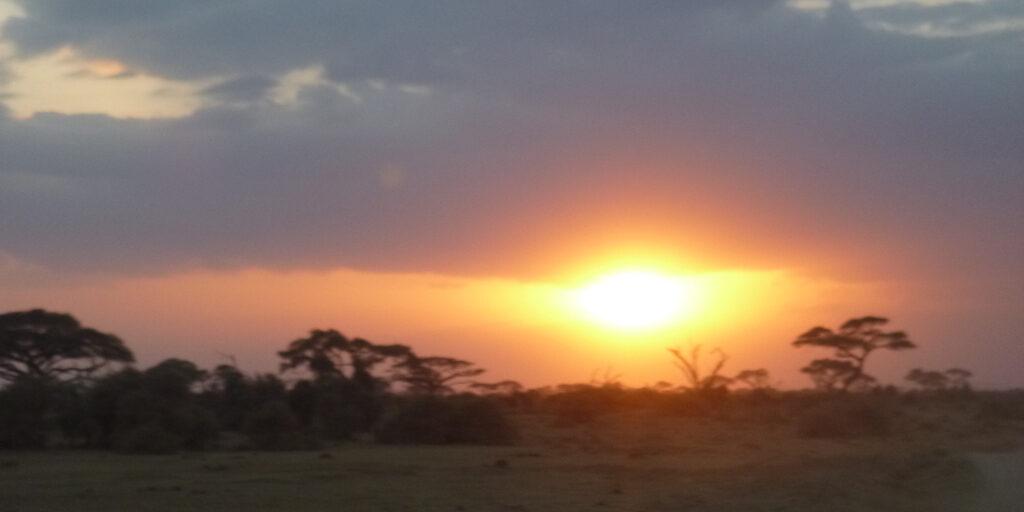 Кенийское солнце. Масаи. Костер