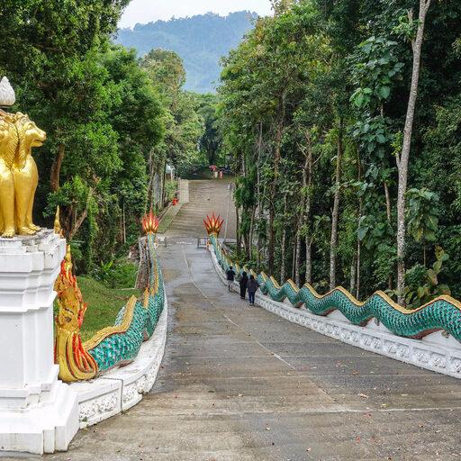 Дорога с Чео Лан на Пхукет. Храма Wat Bang Riang и водопадик.