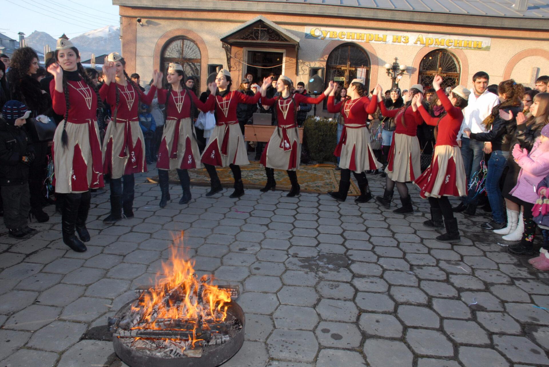 Армянская церковь трндезом отмечает канун сретенья - дня, в который младенца иисуса впервые после рождения внесли