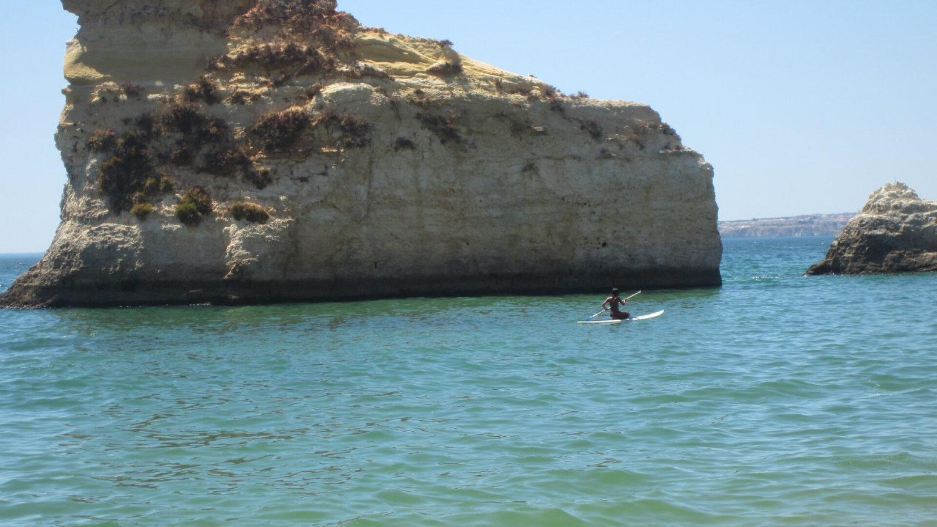 Португалия. Пляжи иночная жизнь Портимао.