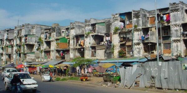 Азия: Часть Вторая. Камбоджа или кчемуже знак ввиде черепа настоле