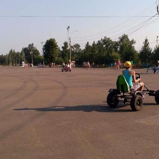 На острове Татышев на Енисее множество пунктов проката… всего!