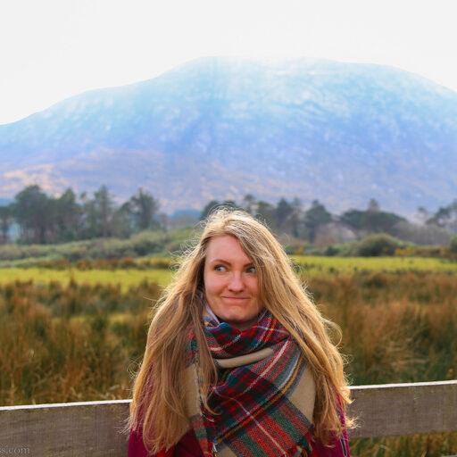 Все, что я знаю об Ирландии, мама, — Это Jameson, Guinness и Connemara. И Мохер!