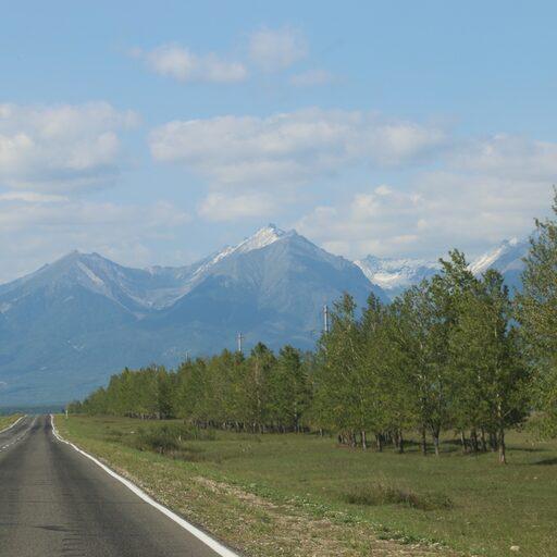 По дороге в Монголию, снежные пики Восточных Саян