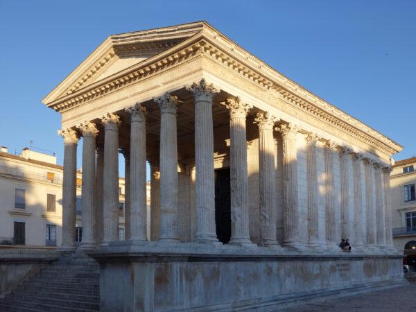 Ним. Самый древнеримский город Франции