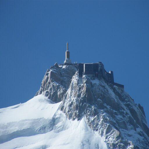 Монблан. Вершина Эгюий-дю-Миди. 3842 метра от пупа земли.
