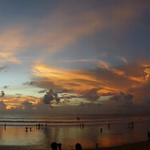 Шикарные закаты. Блеск и грязь. остров Бали, Индонезия